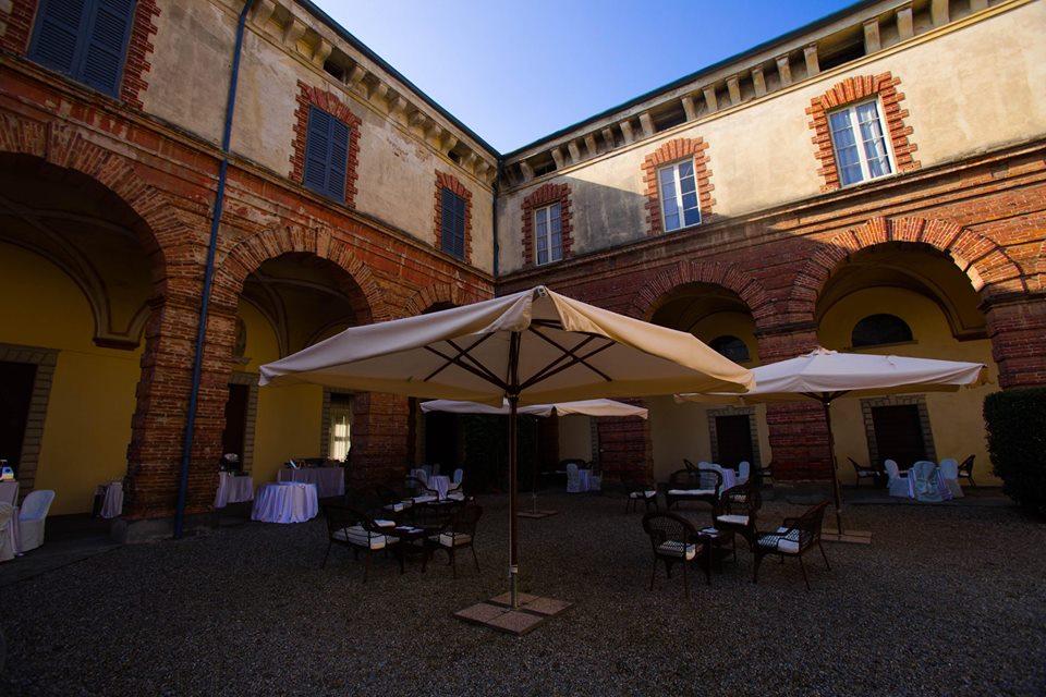 angolo portico e corte interna castello silvestri
