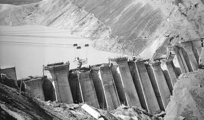 La diga del ghiacciaio (1953)