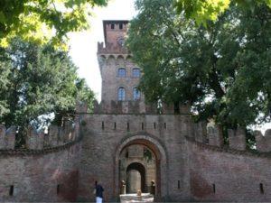 """Urgnano, mostra """"arte e design"""" @ Castello di Urgnano, sala delle armi"""